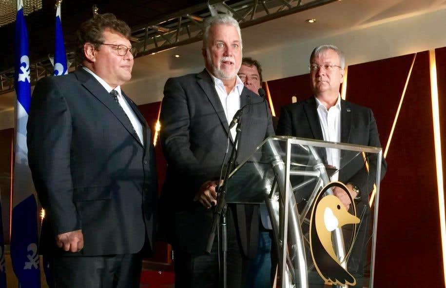 «Pour parler en français clair, pour que le monde comprenne bien, on manque de monde au Québec», a lancé le premier ministre Philippe Couillard au terme du caucus présessionnel des élus libéraux à Val-d'Or.