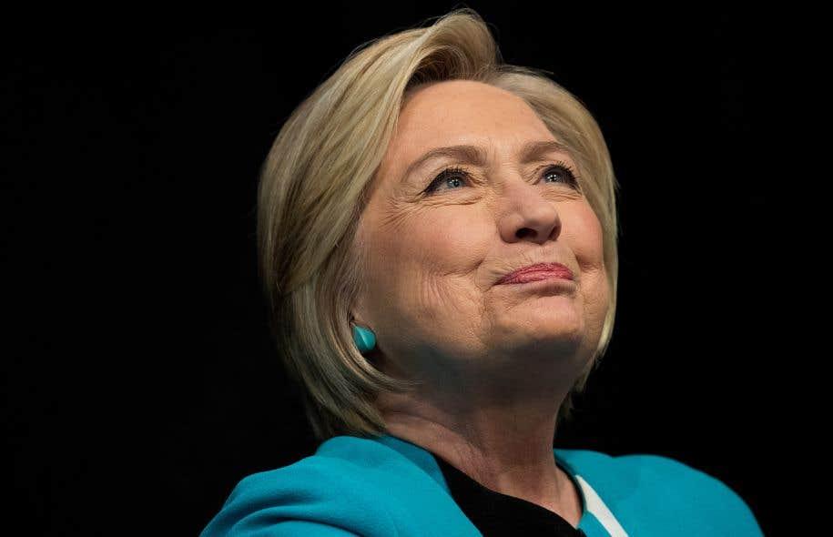 <p>Hillary Clinton effectue une tournée pour faire la promotion de son livre qui aborde l'échec de sa campagne à la présidence.</p>