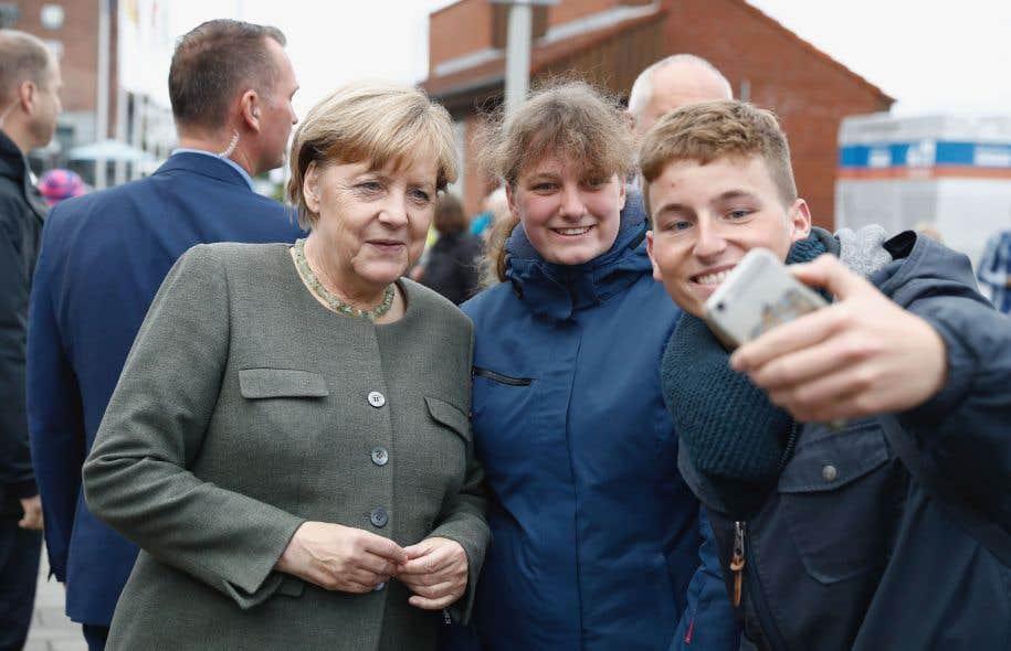 La chancelière allemande, Angela Merkel, lors d'un bain de foule dans la ville de Kappeln, dans le nord du pays, le 20septembre dernier