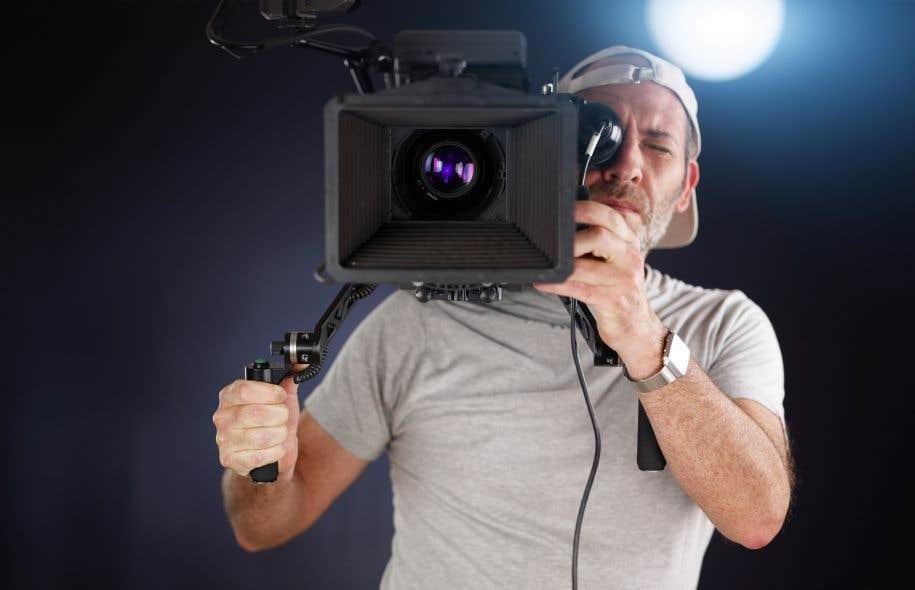 En 2017-2018, le Fonds des médias du Canadaversera environ 350millions au total pour soutenir la production dans deux volets, un traditionnel télé et un numérique.