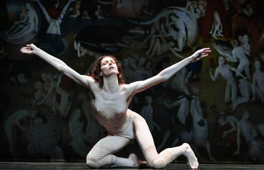 Très illustratif, et peut-être trop explicite, le premier acte nous laisse découvrir des corps semi-nus et aux parties génitales gommées pour coller aux personnages peints par Bosch.