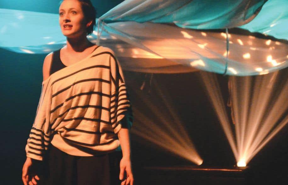 Le Festival de théâtre de l'Université Laval représente à lui seul la notion d'engagement étudiant. Organisé et porté à bout de bras par des étudiants, l'événement contribue à la discussion, à la formation et à la diffusion du théâtre.