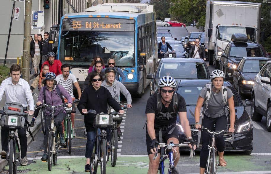 Bus, métro, vélos, autopartage: la mobilité urbaine revue et corrigée s'invite dans la campagne électorale.