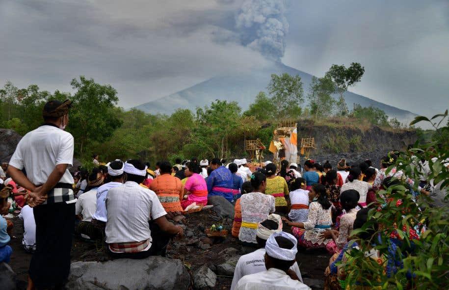 Indonésie: éruption du volcan Agung à Bali