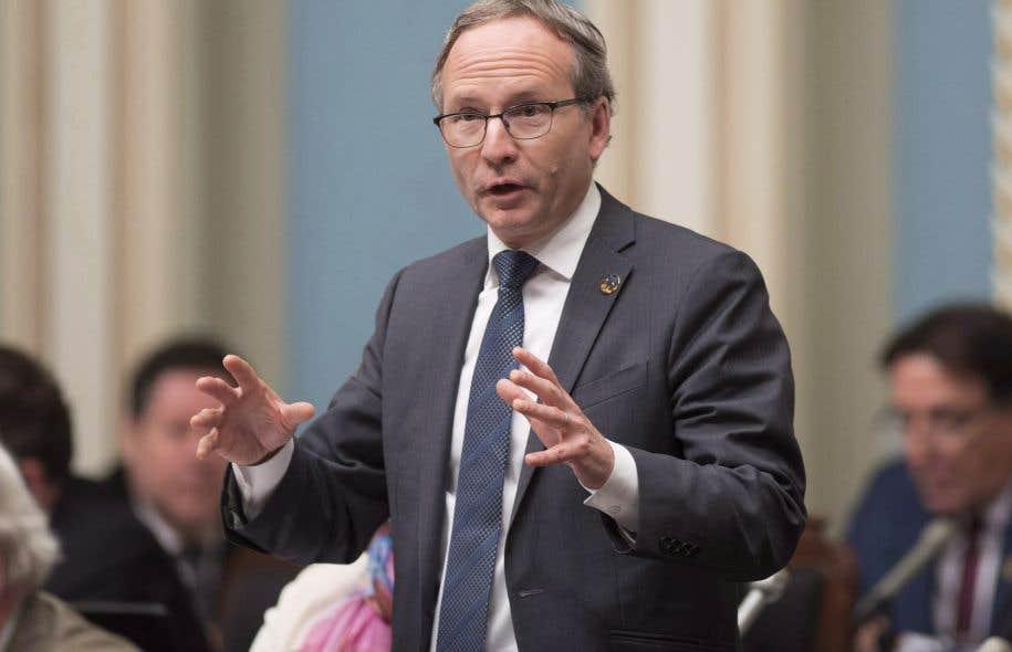Québec lance un comité d'examen — Violence conjugale
