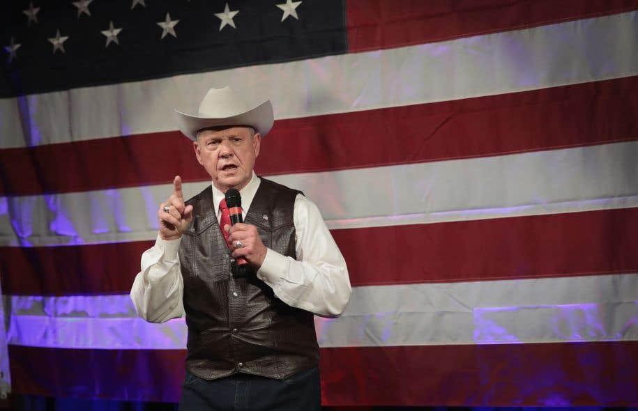 Roy Moore, héros de la droite religieuse et ancien haut magistrat de l'Alabama, a reçu le coup de fil présidentiel lundi.