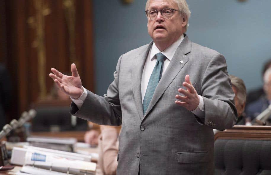 Le ministre Gaétan Barrette va dégager un fonds récurrent de 35 millions de dollars pour rembourser les frais de psychothérapie aux Québécois ayant reçu un diagnostic de maladie mentale.