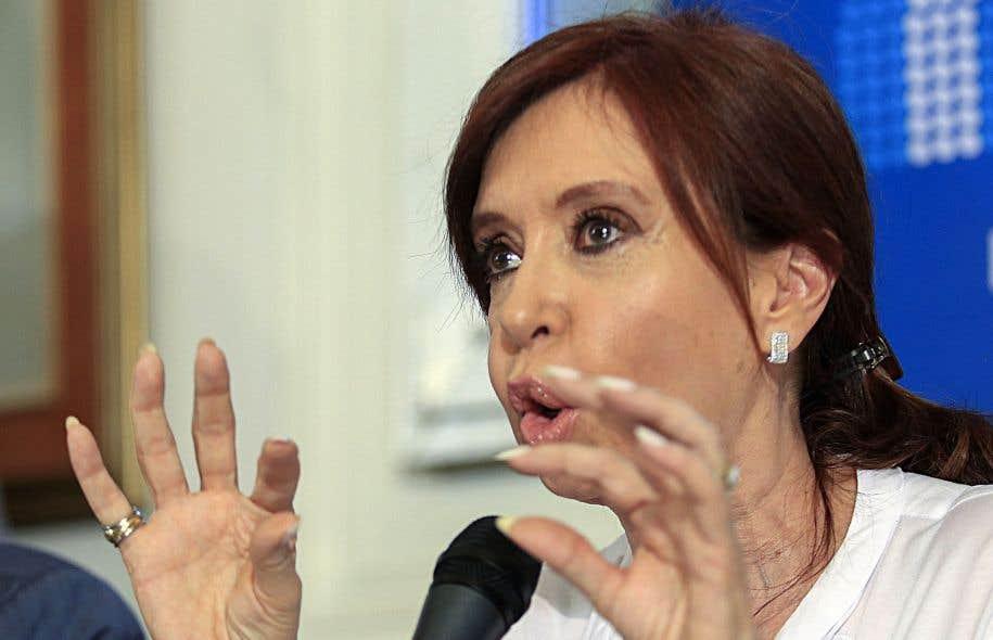 L'ex-présidente argentine Cristina Kirchner en conférence de presse à Buenos Aires, jeudi