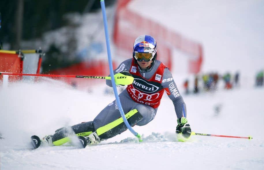 Alexis Pinturault n'occupait pourtant que le 19erang après la descente, mais il a été le plus rapide au slalom pour récolter une 21evictoire sur le circuit de la Coupe du monde.