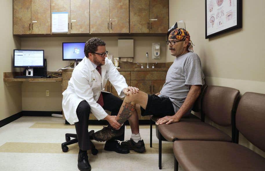 La stigmatisation nuit à la formation des médecins quant à la manière de traiter des patients devenus dépendants à des opioïdes tels que les médicaments antidouleur.