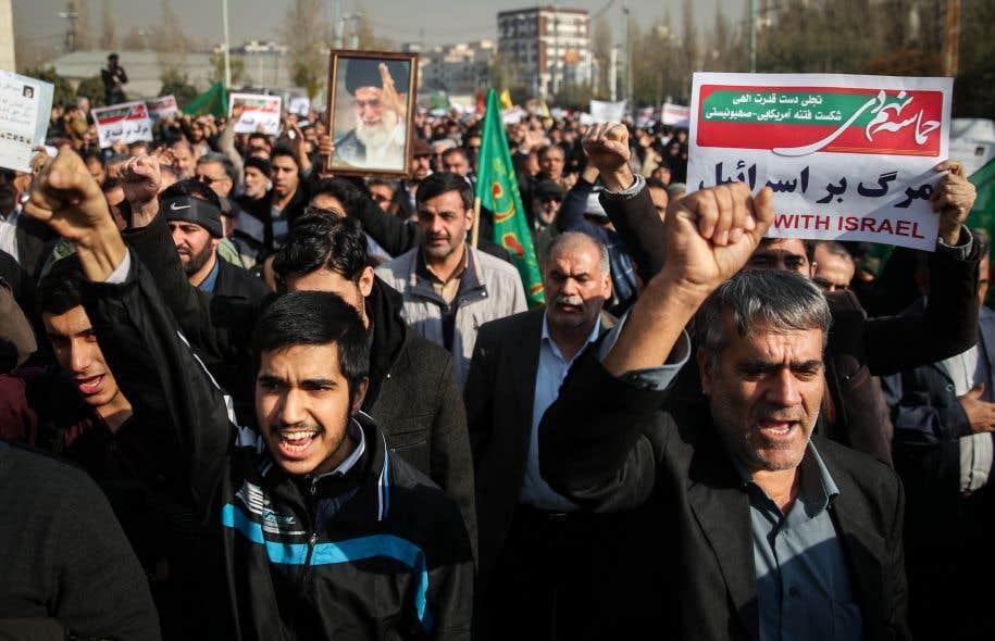 Beaucoup de Téhéranais sont néanmoins rebutés par la violence des manifestants qui ont attaqué des banques, des bâtiments administratifs et des symboles du régime.