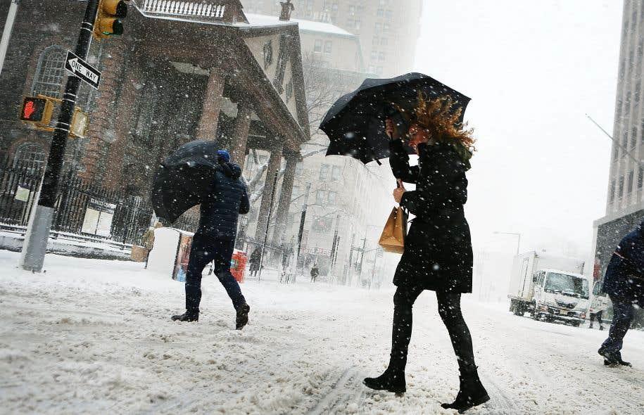 New York a lancé en 2016 un programme de plus de 20 milliards de dollars pour se préparer à faire face à la multiplication des événements climatiques extrêmes.