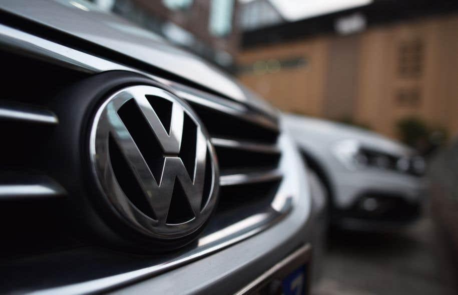 Si l'accord est approuvé, des versements en argent seront faits à environ 15 000 propriétaires et locataires de véhicules diesel au coeur du scandale sur les émissions de gaz polluants.
