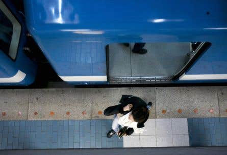 Il y a une dizaine de jours, le maire de Montréal a affirmé que le prolongement de la ligne bleue du métro en surface coûterait trois fois moins cher qu'en tunnel.