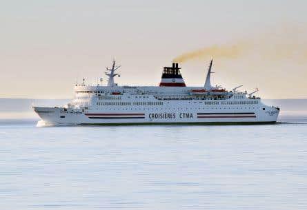 Plus de 250 avertissements ont été donnés par la Garde côtière canadienne, mais seulement 11 navires ont été mis à l'amende parce qu'ils ne respectaient pas la limite de vitesse imposée.