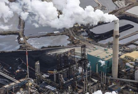 L'Association canadienne des producteurs pétroliers prévoit que la production quotidienne de pétrole passera de 3,8millions barils aujourd'hui à 5,1millions de barils en 2030.