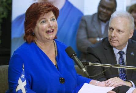 Le chef péquiste, Jean-François Lisée, accompagnait Nicole Léger, mardi, quand elle a confirmé qu'elle ne sollicitera pas de nouveau mandat.