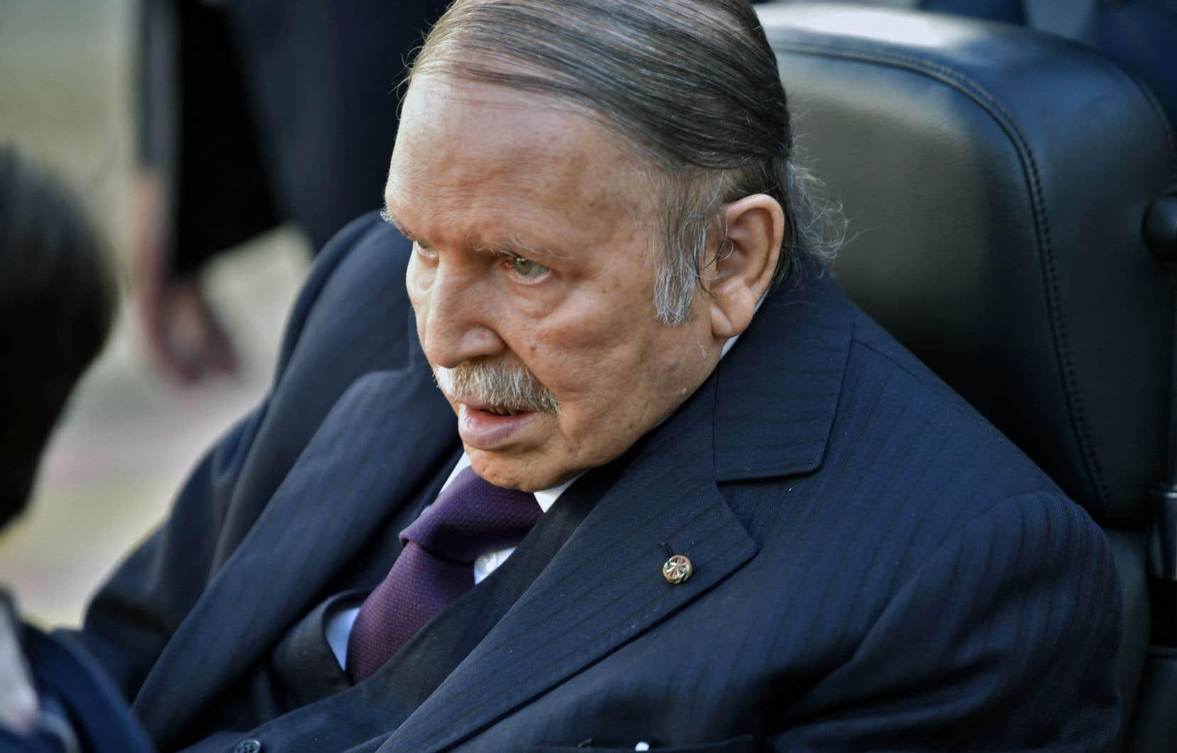 L'ex-président Algérien Abdelaziz Bouteflika est décédé vendredi à l'âge de 84ans, a annoncé la télévision publique.
