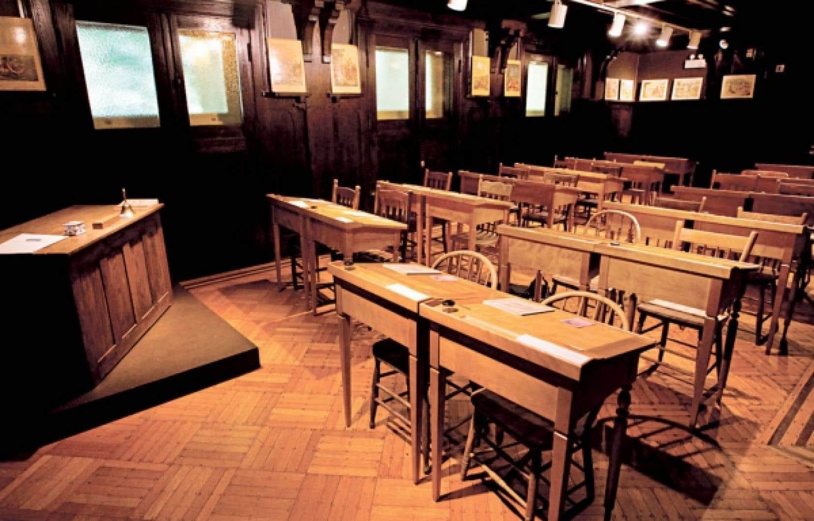 Une classe reconstituée d'une école d'Hochelaga-Maisonneuve à l'époque de la Grande Dépression.