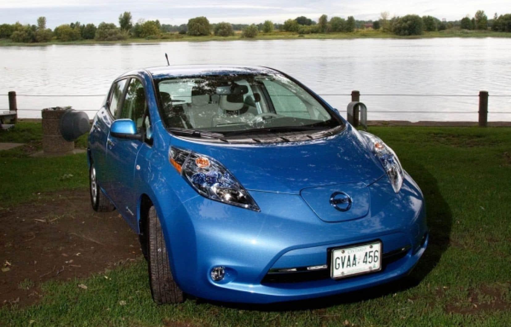 La Nissan Leaf, comme de plus en plus de voitures, a deux modes de conduite: normal et ECO (comme dans économique et écologique).<br />