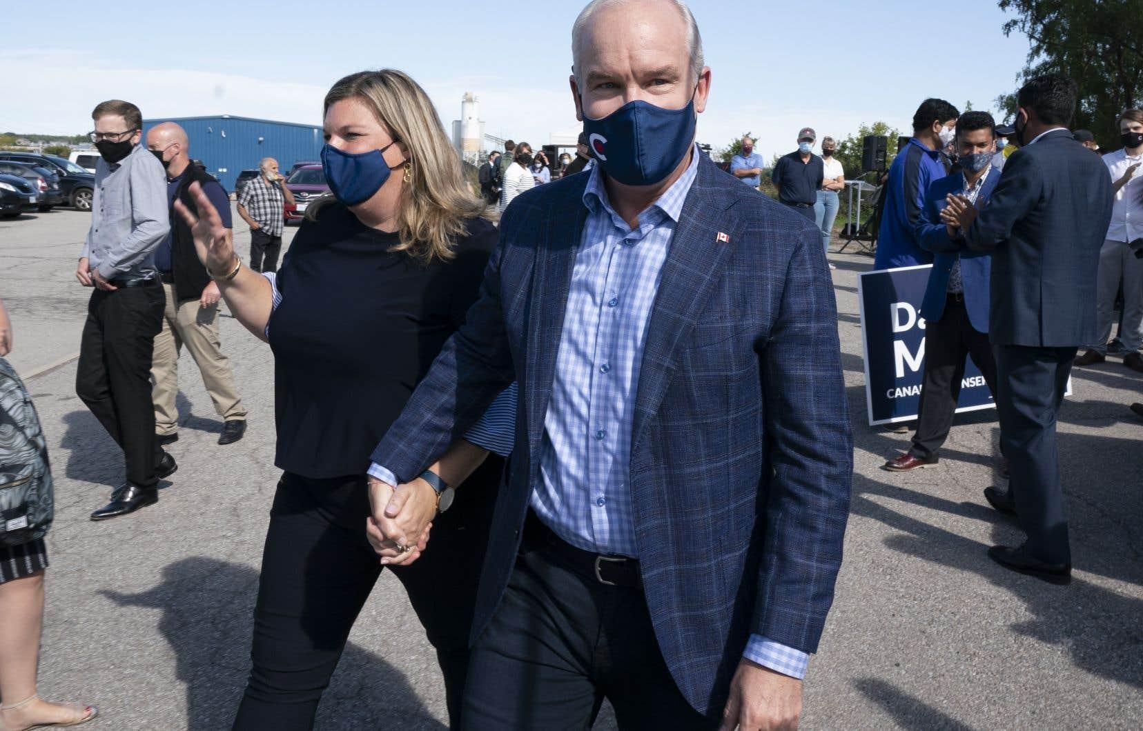 Les chefs libéral et conservateur reviennent dans le Grand Toronto pour le dernier week-end de la campagne électorale.