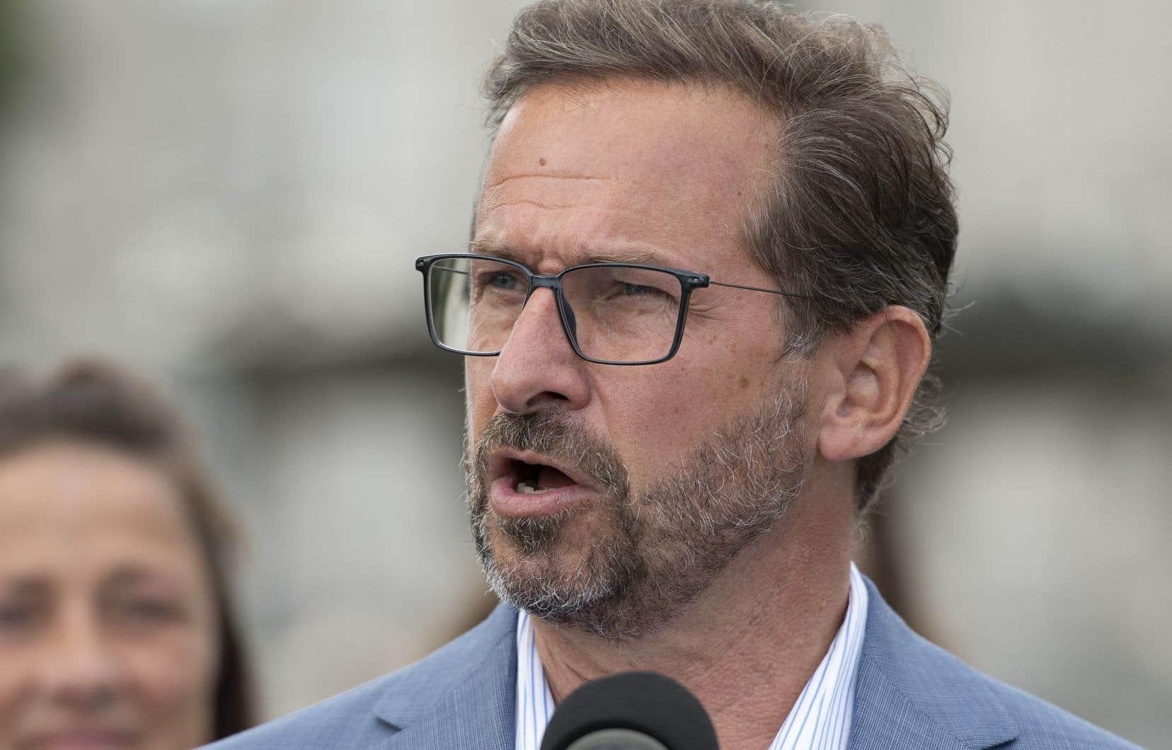 Le chef bloquiste a pris l'«engagement très personnel» que les 2000 emplois du Centre de données fiscales du gouvernement fédéral à Shawinigan seraient préservés.