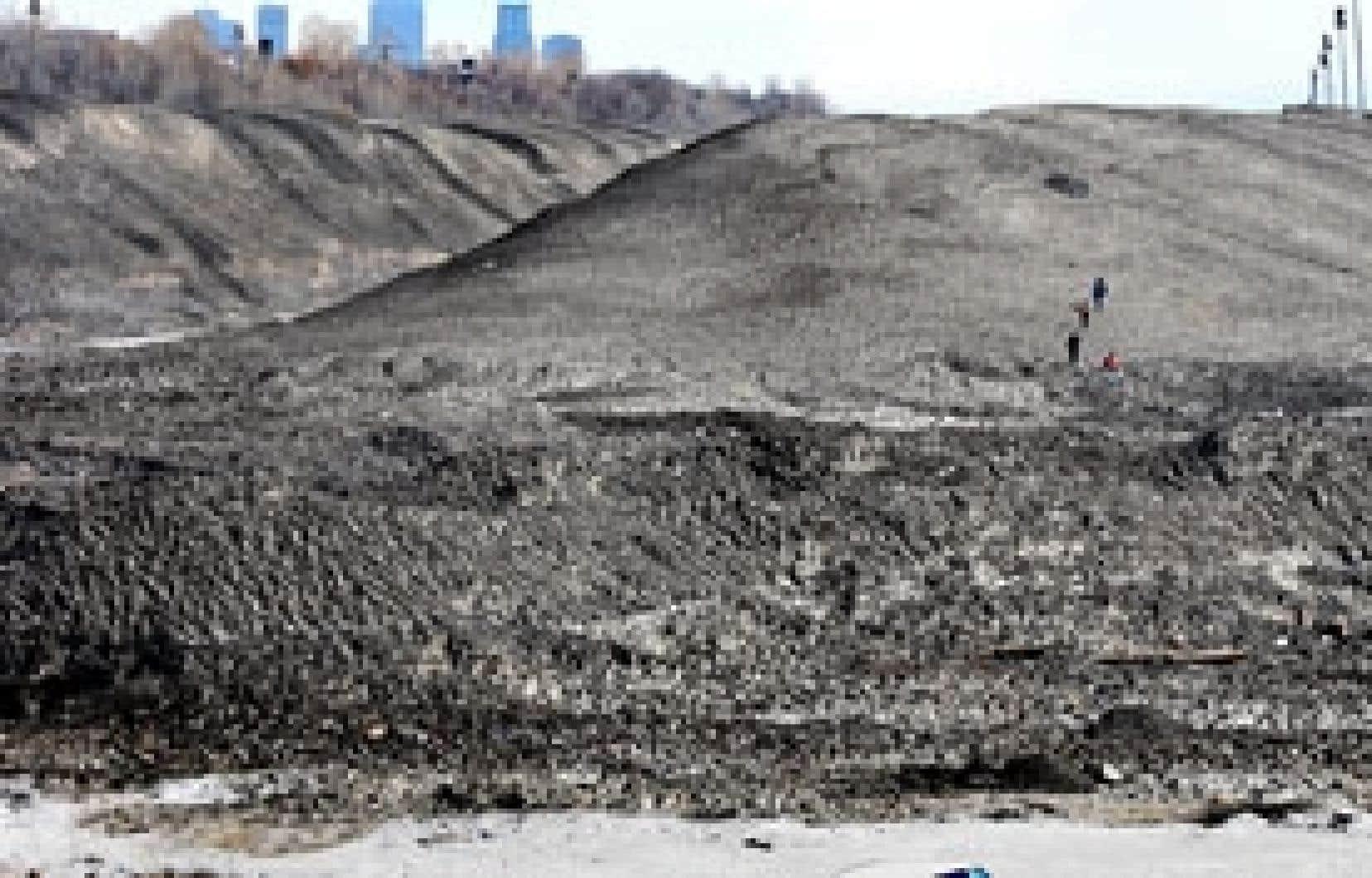 La mise en place de dépôts à neige a permis à Québec de mettre fin aux rejets directs dans ses cours d'eau.