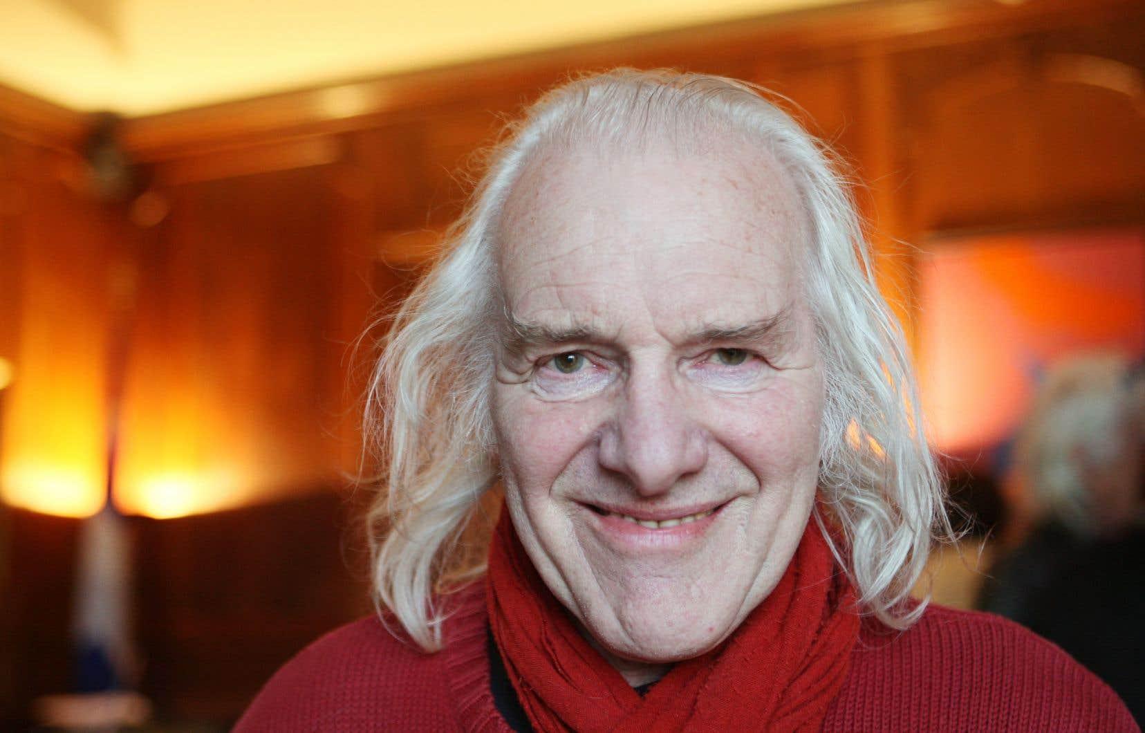 Né en juin 1936 à Bruxelles, élevé dans la campagne wallonne à Ecaussines (Sud), Beaucarne est toujours resté fidèle à ses origines.