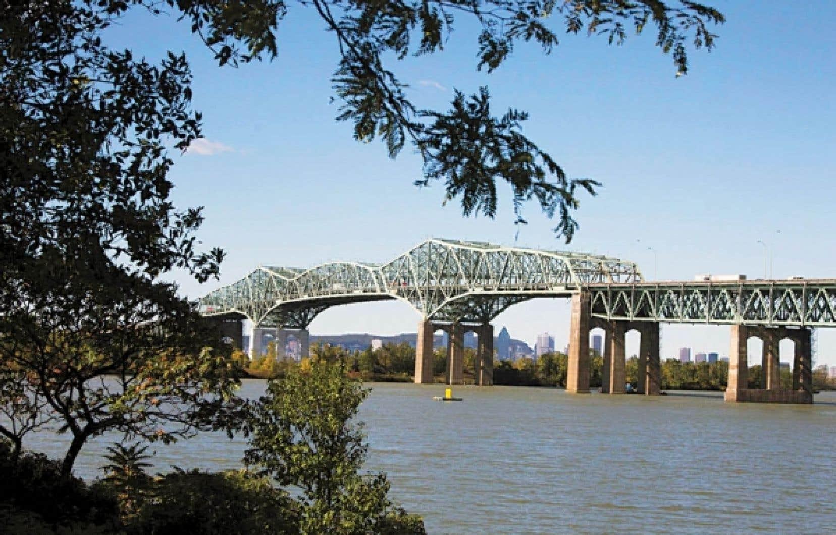 La vue d'ensemble la plus percutante de Montréal, c'est sur la Rive-Sud qu'on la trouve. Et la plus belle entrée de ville, c'est celle qui commence au pont Champlain.<br />