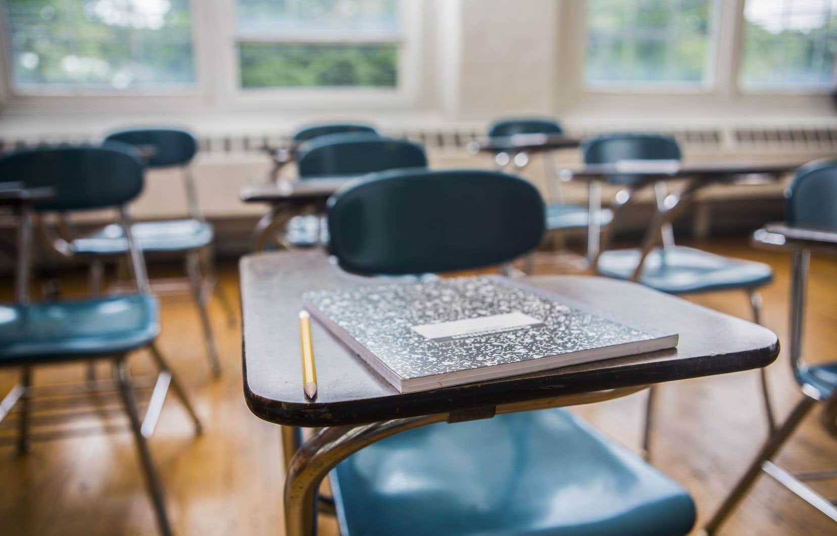 Sept classes avaient déjà été fermées par la Direction régionale de la santé publique, selon un courriel datant de mardi envoyé aux parents, que «Le Devoir» a consulté.
