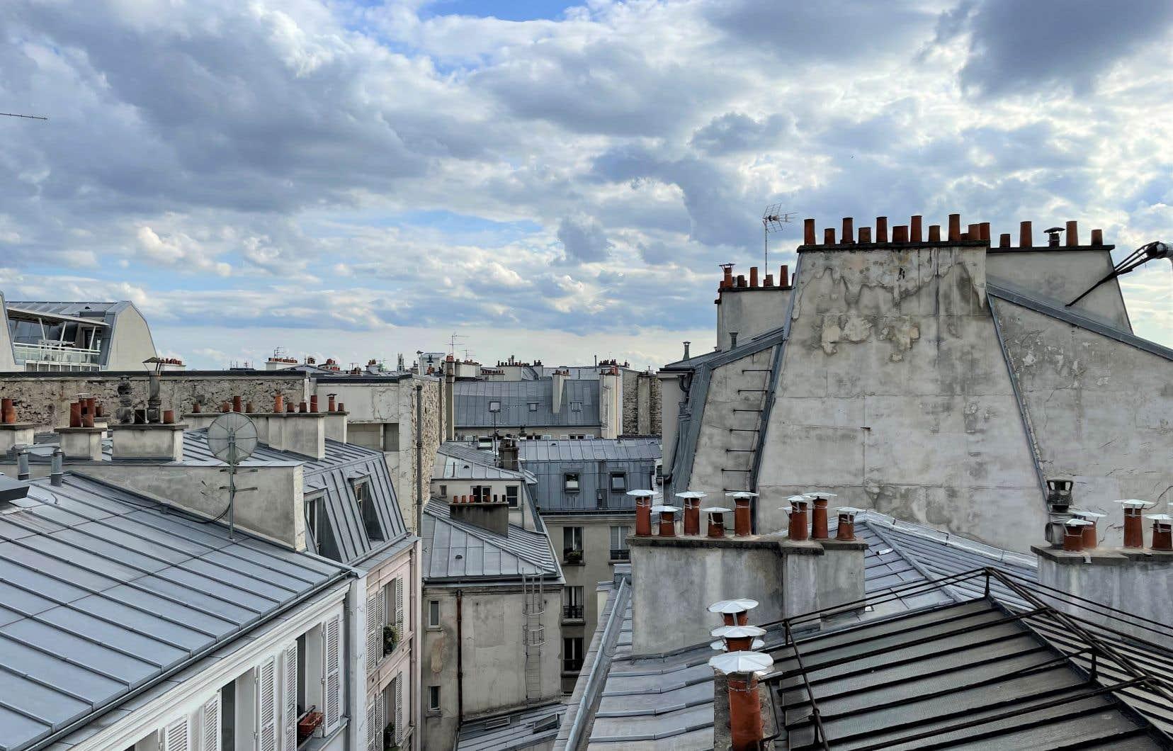 Les toits de Paris depuis l'hôtel Maison Mère, dans le 9e arrondissement
