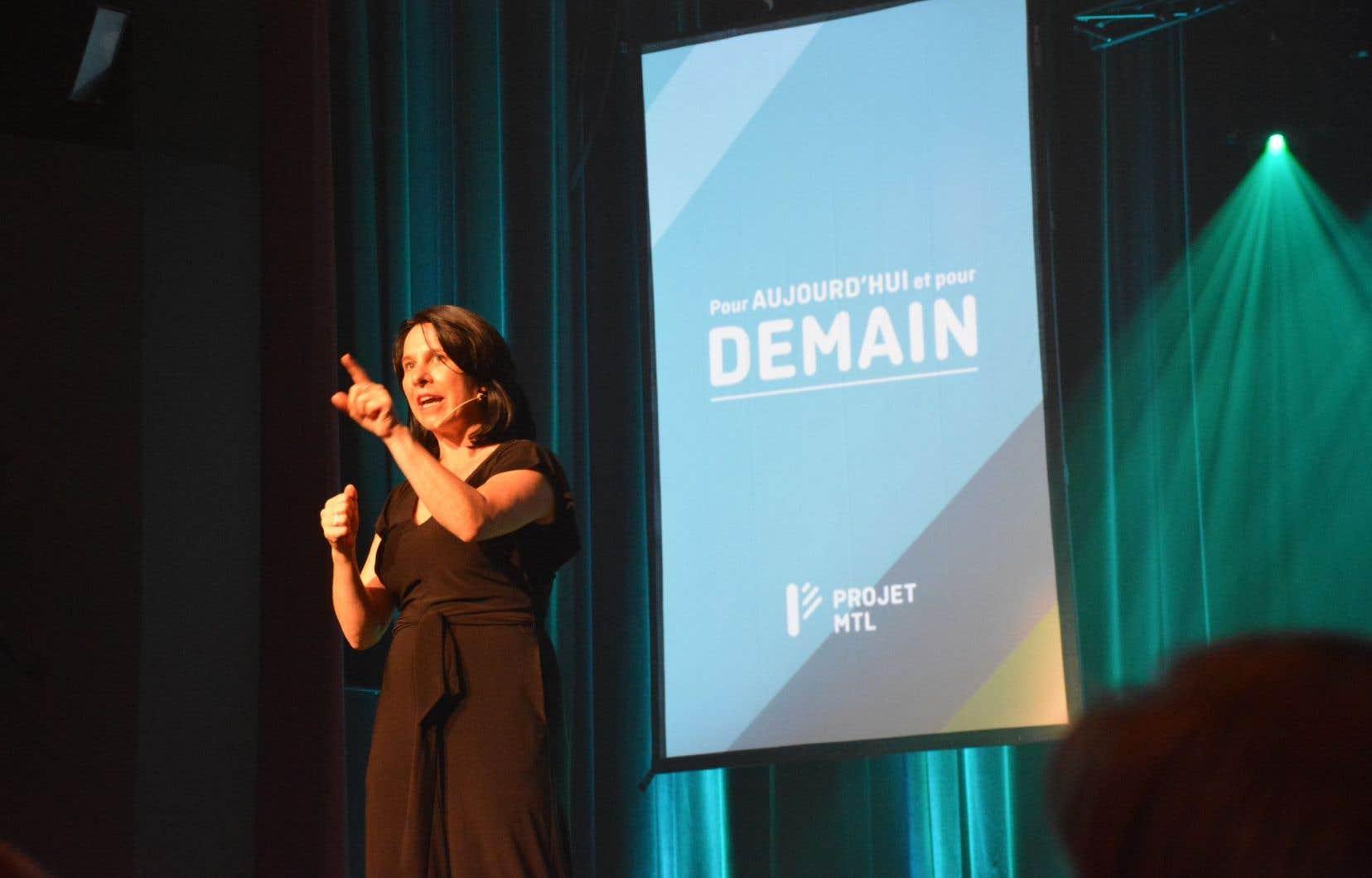 Les deux principaux candidats à la mairie de Montréal n'ont pas ménagé les critiques lors des premiers jours de la campagne électorale.