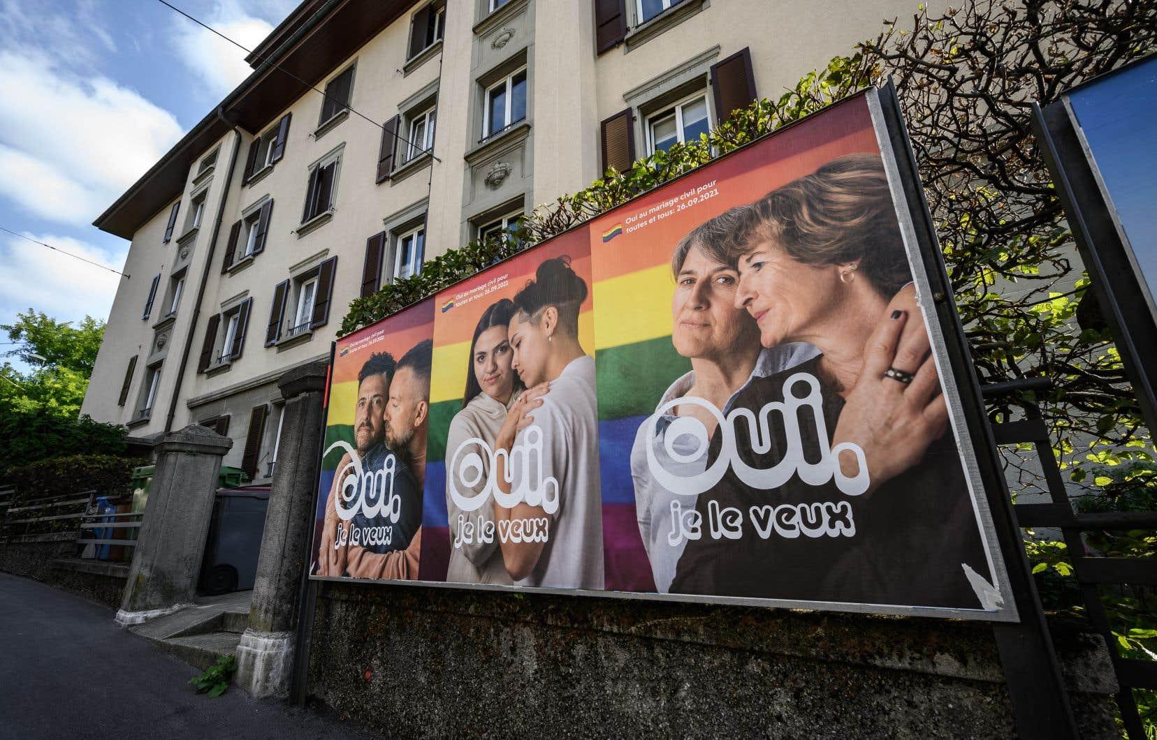 Les Suisses s'apprêtent à approuver lors d'un référendum dimanche le principe du mariage pour tous, à une large majorité selon les sondages.
