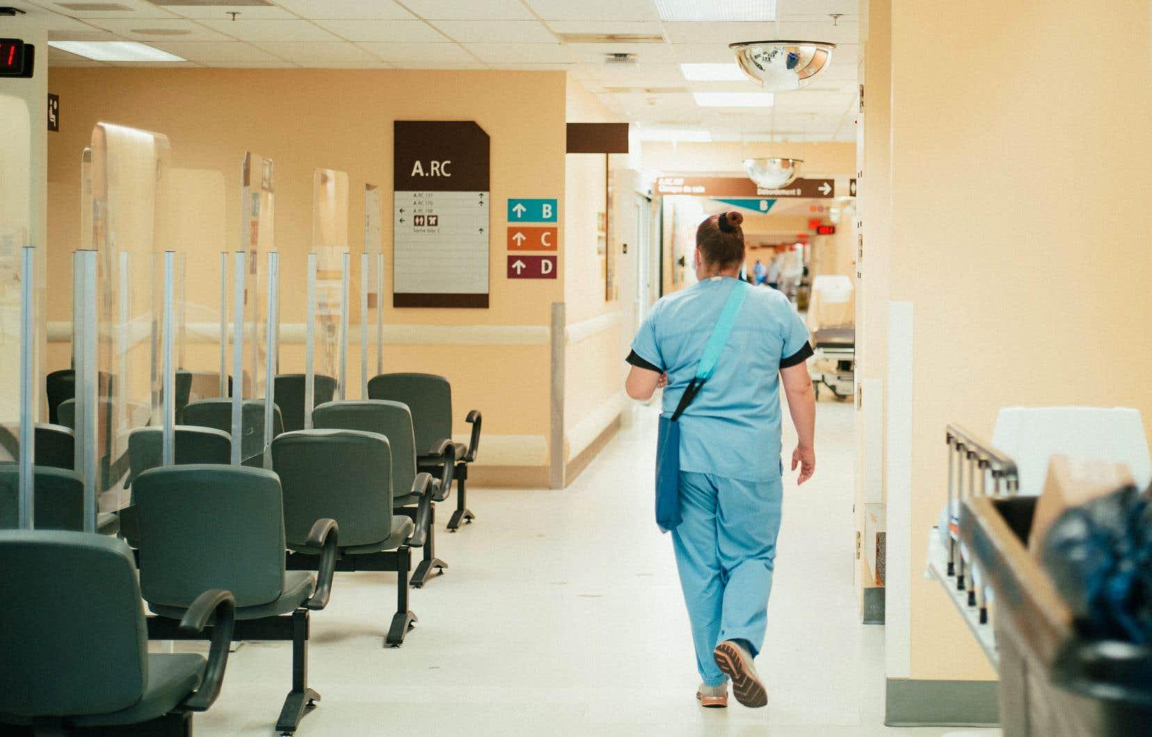 Des primes de milliers de dollars pour ramener les infirmières dans le système public