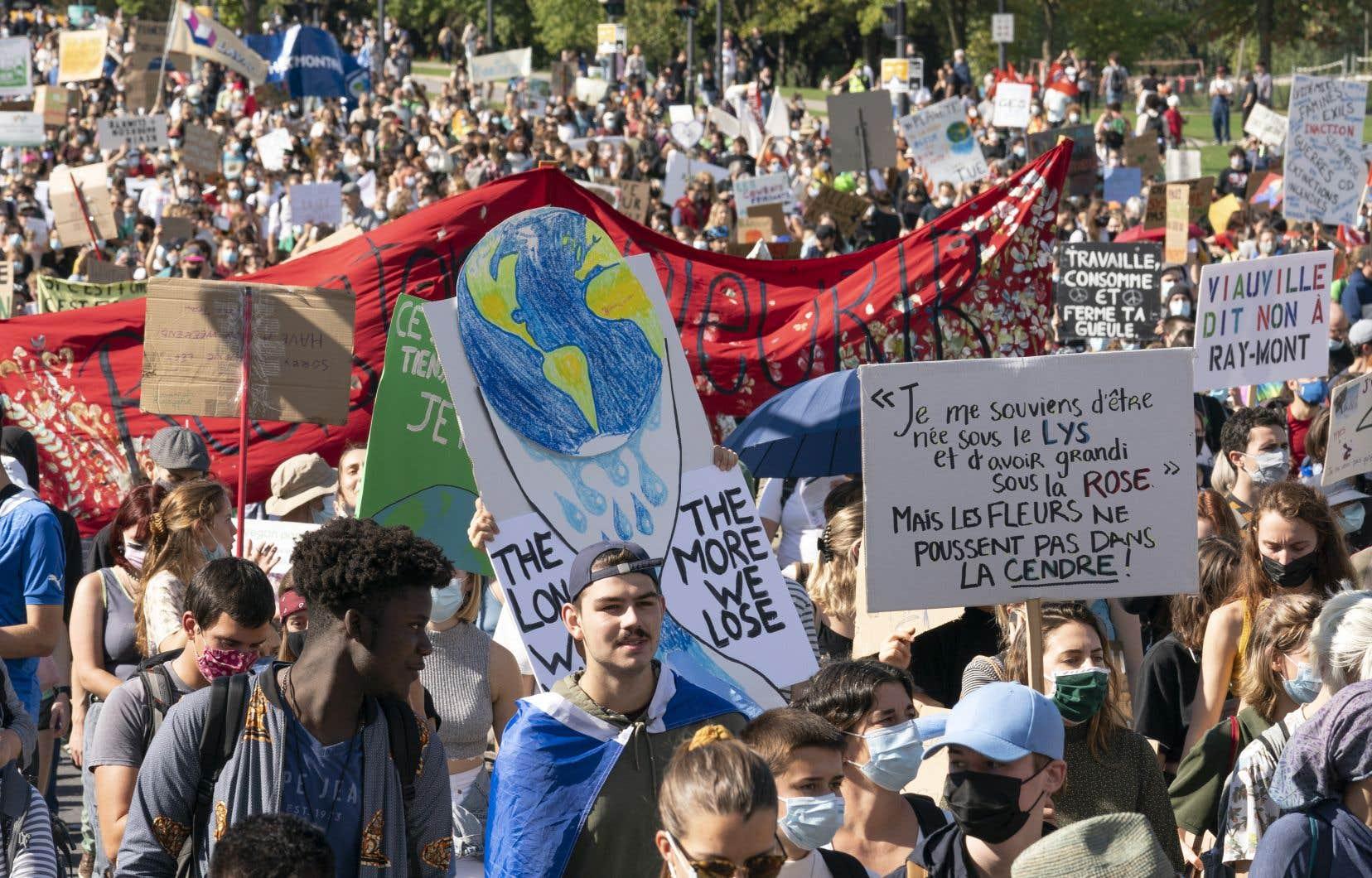 «10 % des pays sont responsables de 80 % des émissions mondiales de GES», rappelle l'auteur. En photo, la marche mondiale pour le climat du 24 septembre 2021, à Montréal.