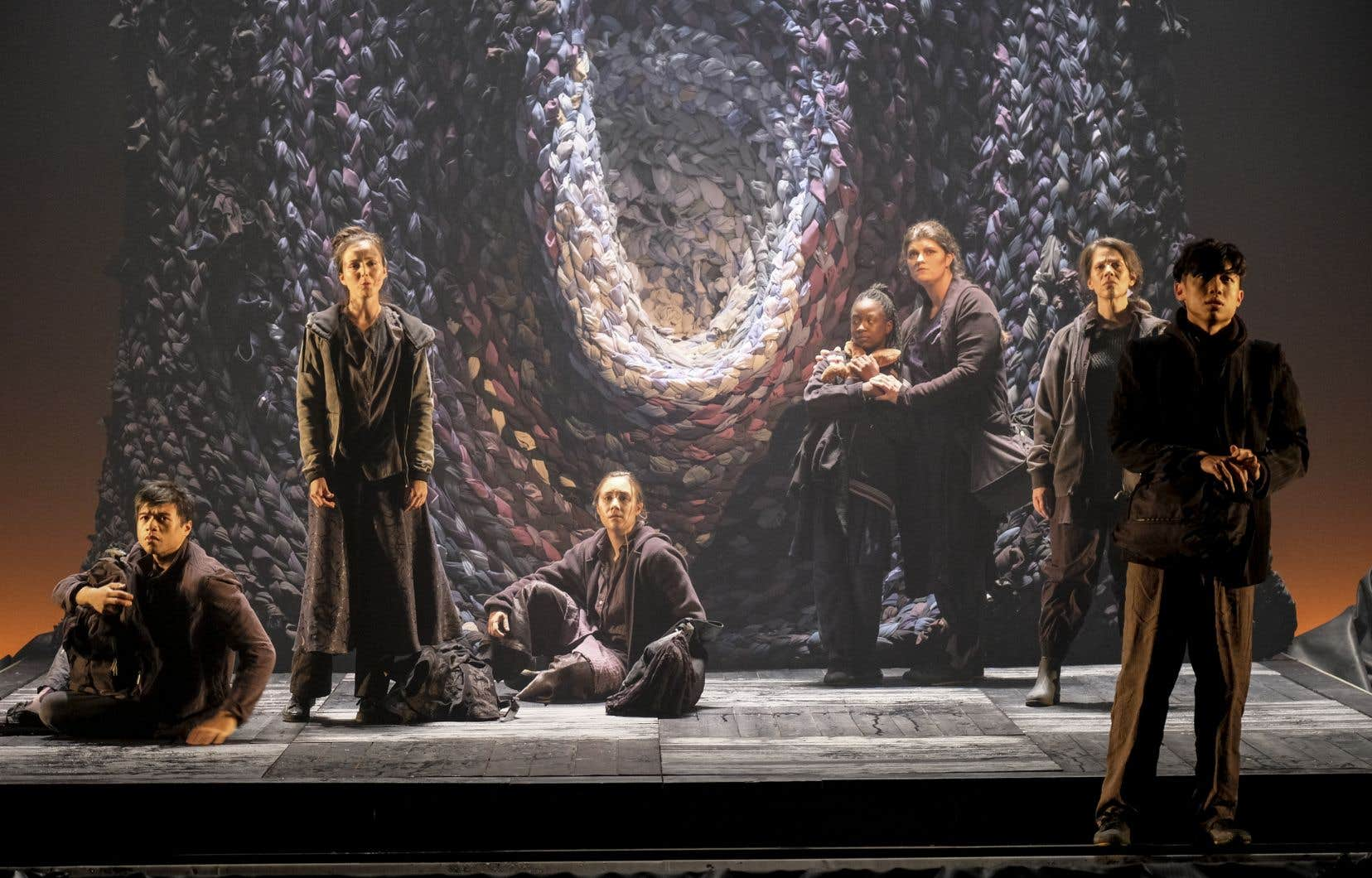 L'Opéra de Montréal s'est allié avec la compagnie Ballet-Opéra-Pantomime (BOP) et I Musici pour habiller son espace lyrique automnal. Malgré le soin apporté, la production d'un diptyque marin comprenant la création d'un opéra d'Hubert Tanguay-Labrosse pâtit de compromis regrettables.