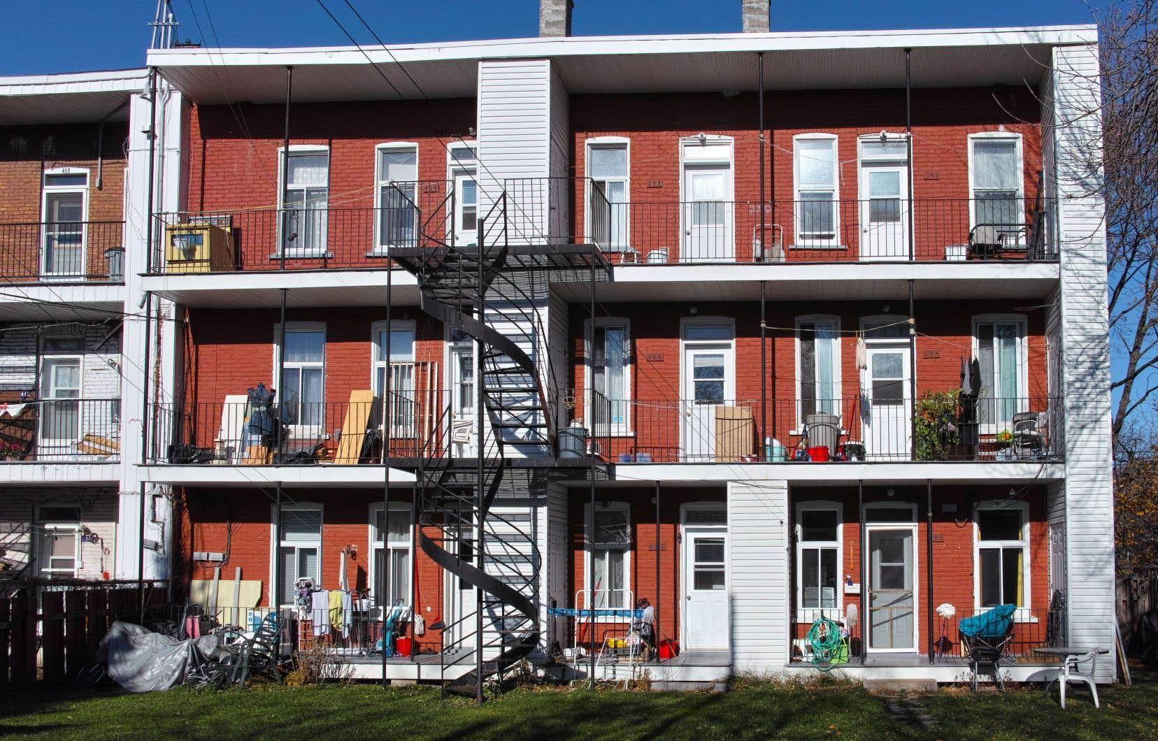 Valérie Plante a présenté un projet de certification qui serait imposée aux propriétaires d'immeubles de huit logements et plus.