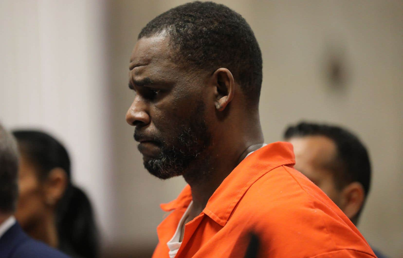 R.Kelly était jugé depuis plus d'un mois notamment pour extorsion, exploitation sexuelle de mineur, enlèvement, corruption et travail forcé, sur une période allant de 1994 à 2018.