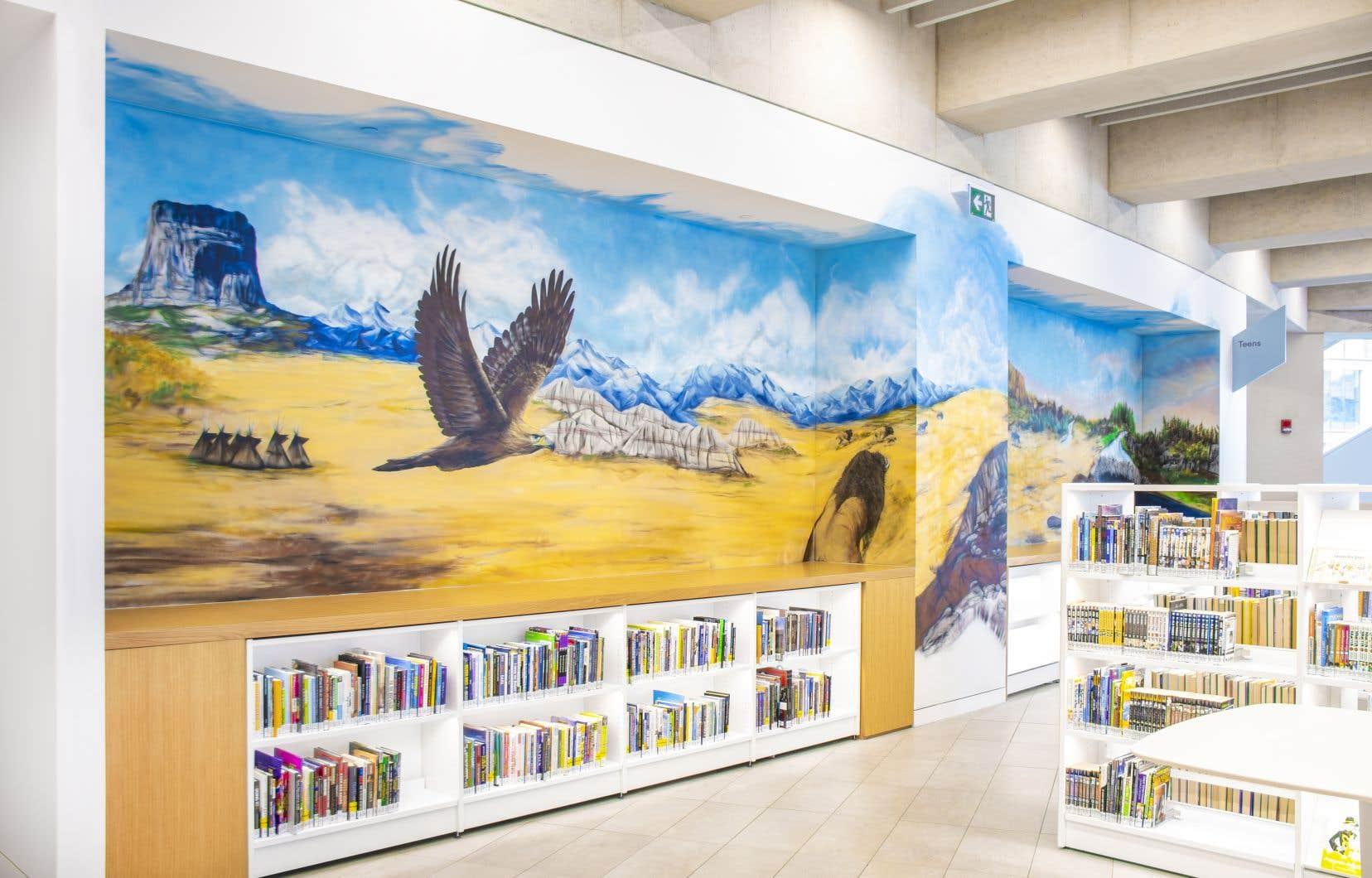 La bibliothèque publique de Calgary, avec l'œuvre «The Spirit Within», de Jesse Gouchey, Tanisha Wesley et Autumn Whiteway