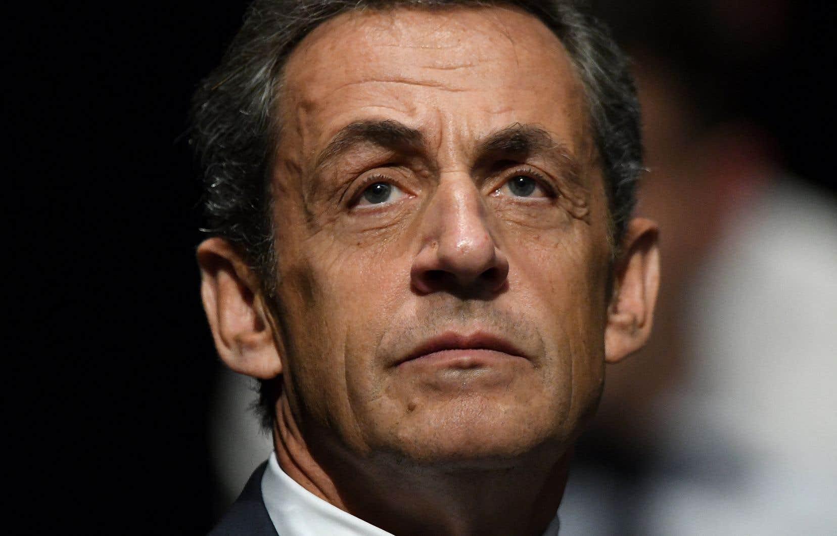 Nicolas Sarkozy n'ira pas en prison. Sa peine sera directement aménagée, a précisé le tribunal.