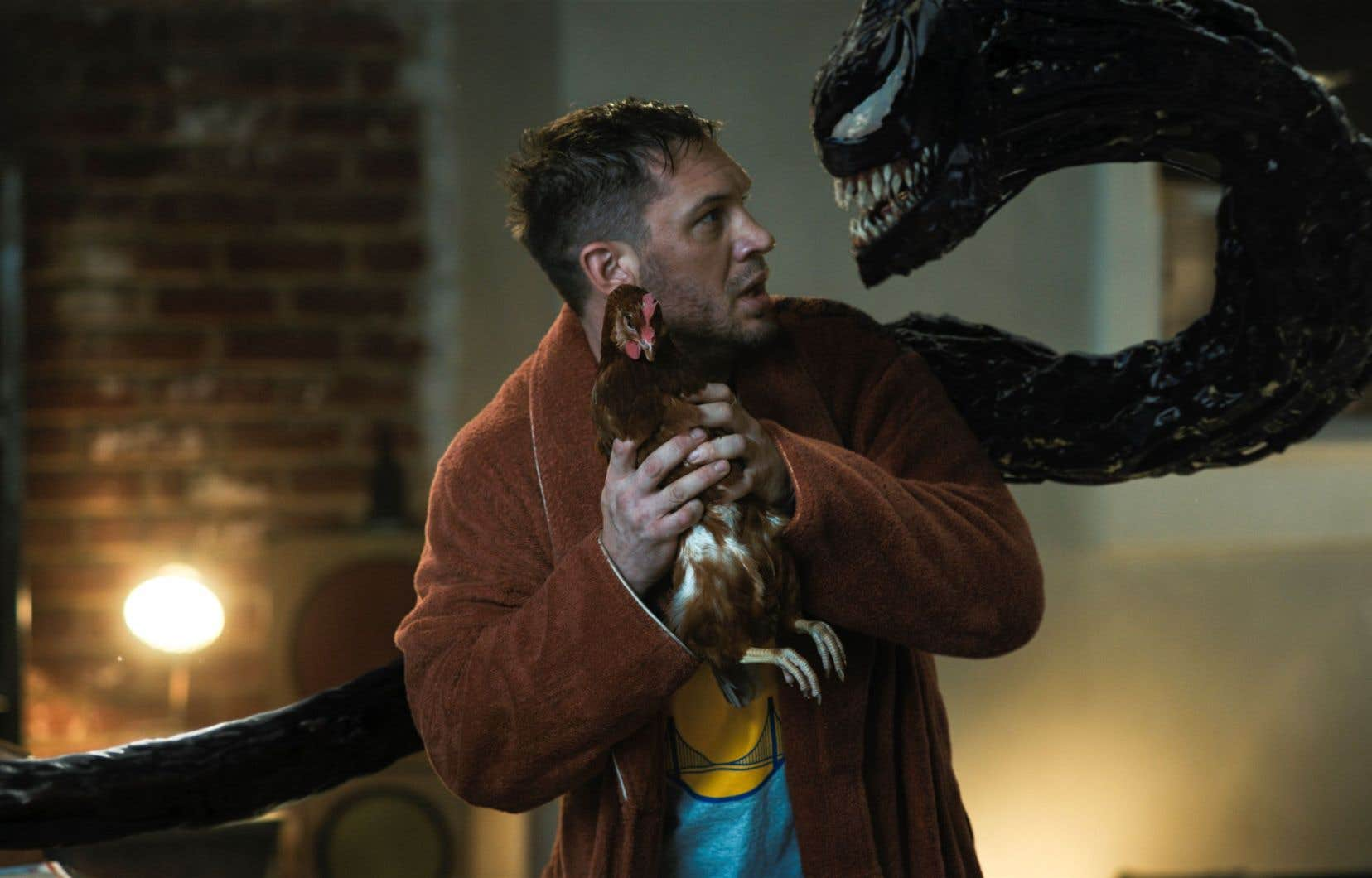 «Venom: Let There Be Carnage» partage avec son prédécesseur une qualité qui se perd parfois dans les «films de superhéros»: il ne se prend pas au sérieux. Et à ça, on applaudit.