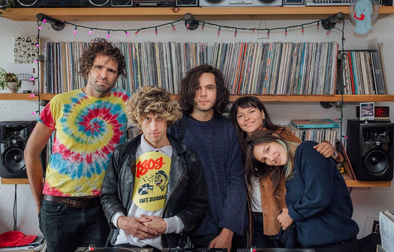 Le groupe de rock Bon Enfant nous invite à nous évader du quotidien avec «Diorama», son deuxième album, qui prend pour repère la chanson québécoise des années 70.