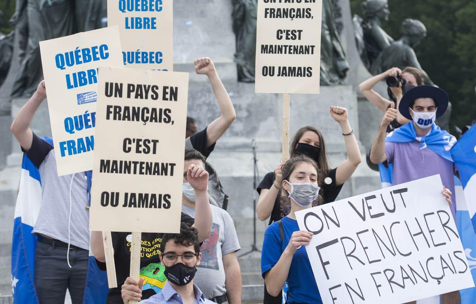 «Il importe plus que jamais de revoir les divers indicateurs qui permettent ou permettraient de brosser un portrait plus juste de l'évolution de l'usage du français au Québec», écrit l'auteur.
