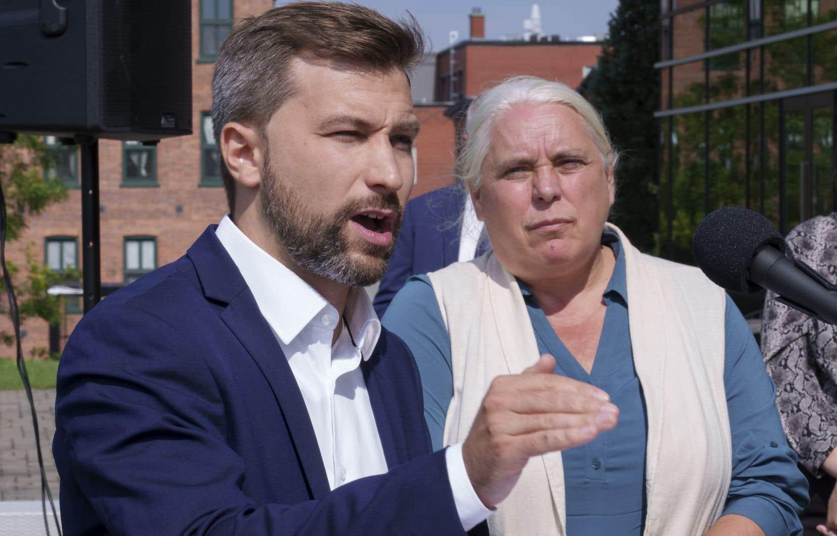 Gabriel Nadeau-Dubois et Manon Massé lors de leur caucus en septembre dernier. La nation huronne-wendate a été mise devant le fait accompli jeudi, en prenant connaissance d'un avis que Québec solidaire a transmis aux médias pour son annonce.
