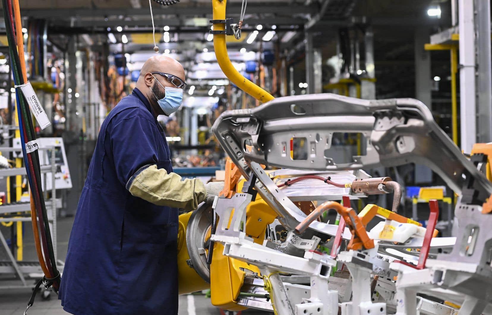 La hausse d'emplois, qui a été observée en septembre, est principalement venue du secteur des services, mais aussi de l'industrie de la fabrication.