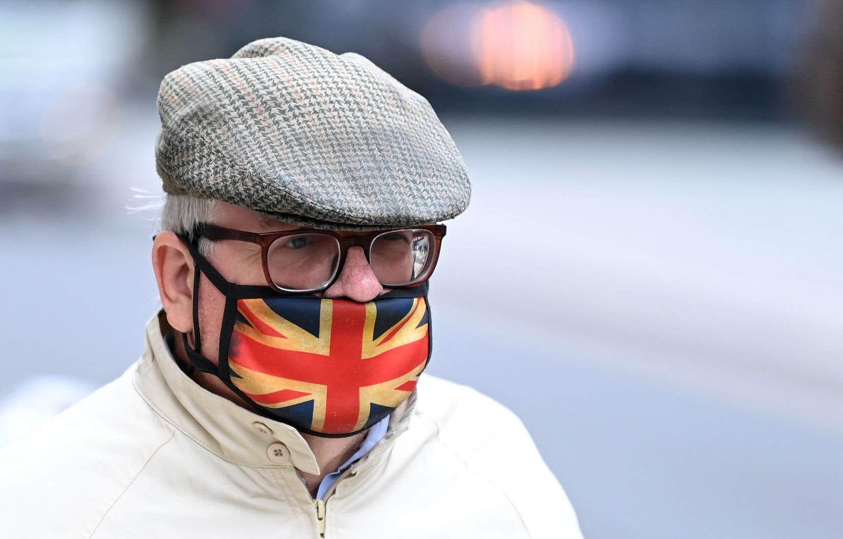 Le gouvernement britannique a commis de graves erreurs dans sa gestion de la pandémie