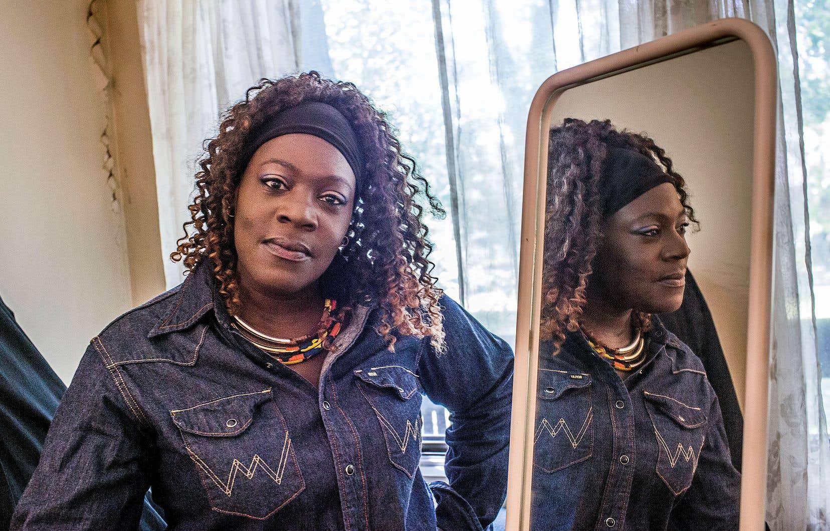 L'Île-des-Sœurs est entièrement désert en logements sociaux et abrite pourtant une véritable pauvreté invisible. Valérie Champoux loue un 3 1/2, «un taudis», pour 929$ par mois. «On veut partir, mais où va-t-on aller?» se demande-t-elle.