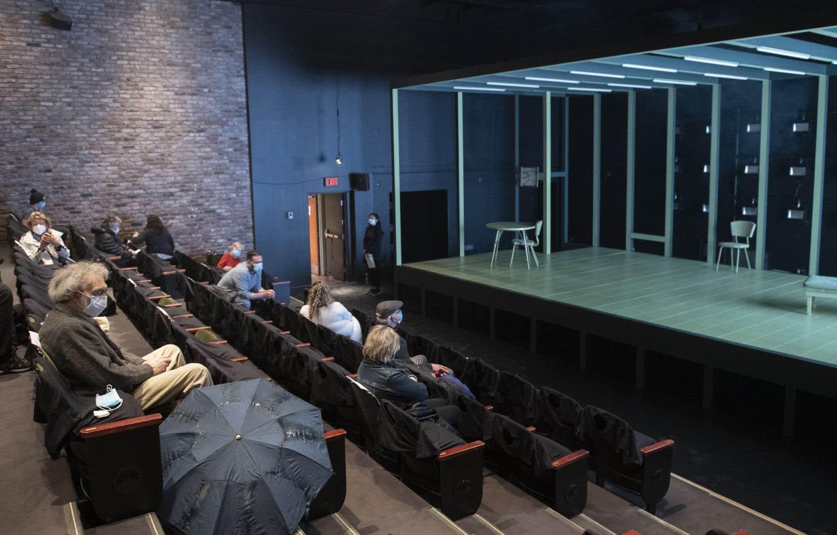 Depuis vendredi dernier, les salles peuvent rouvrir au maximum de leur capacité, mais les spectateurs ne sont pas davantage au rendez-vous.