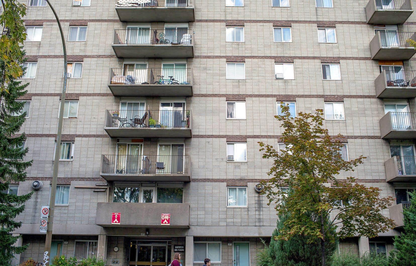 Plusieurs occasions d'inclure des logements sociaux dans des projets immobiliers montréalais ont été perdues en raison de la propension des promoteurs à opter pour les compensations financières.