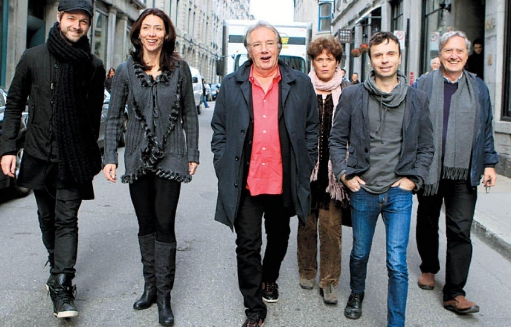 De gauche à droite: Pierre Lapointe, l'un des signataires de la musique du film, les acteurs Nathalie Cavezzali et Gilbert Sicotte, Bernadette Payeur, productrice, le réalisateur Sébastien Pilote et le producteur Marc Daigle.